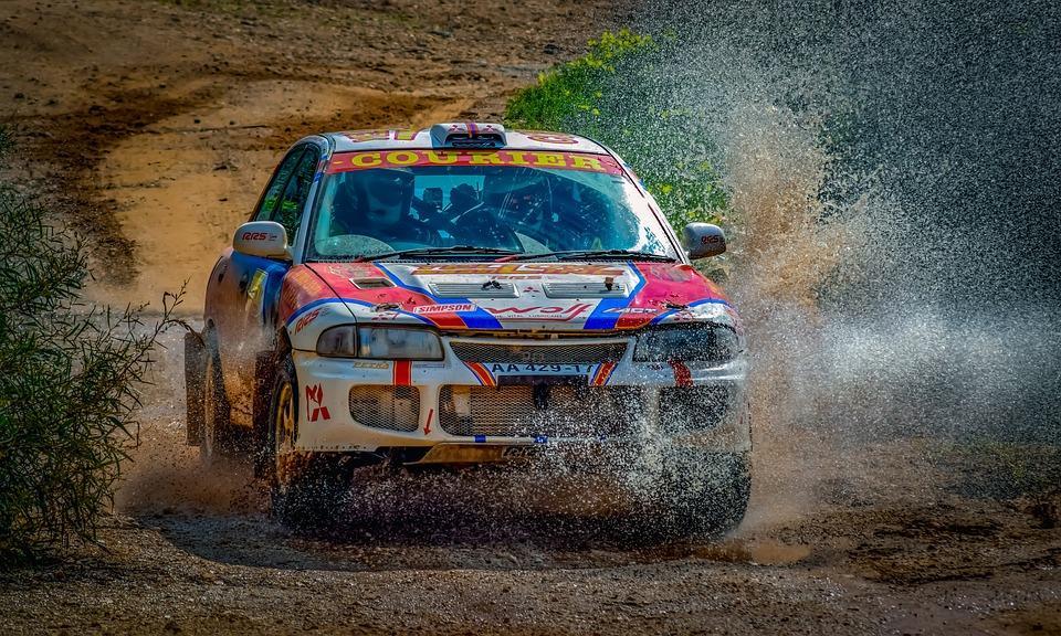 How to drive a race car like an expert racer