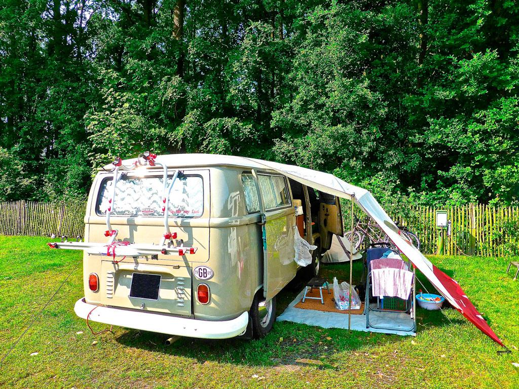 turn your car into a camper in a few steps