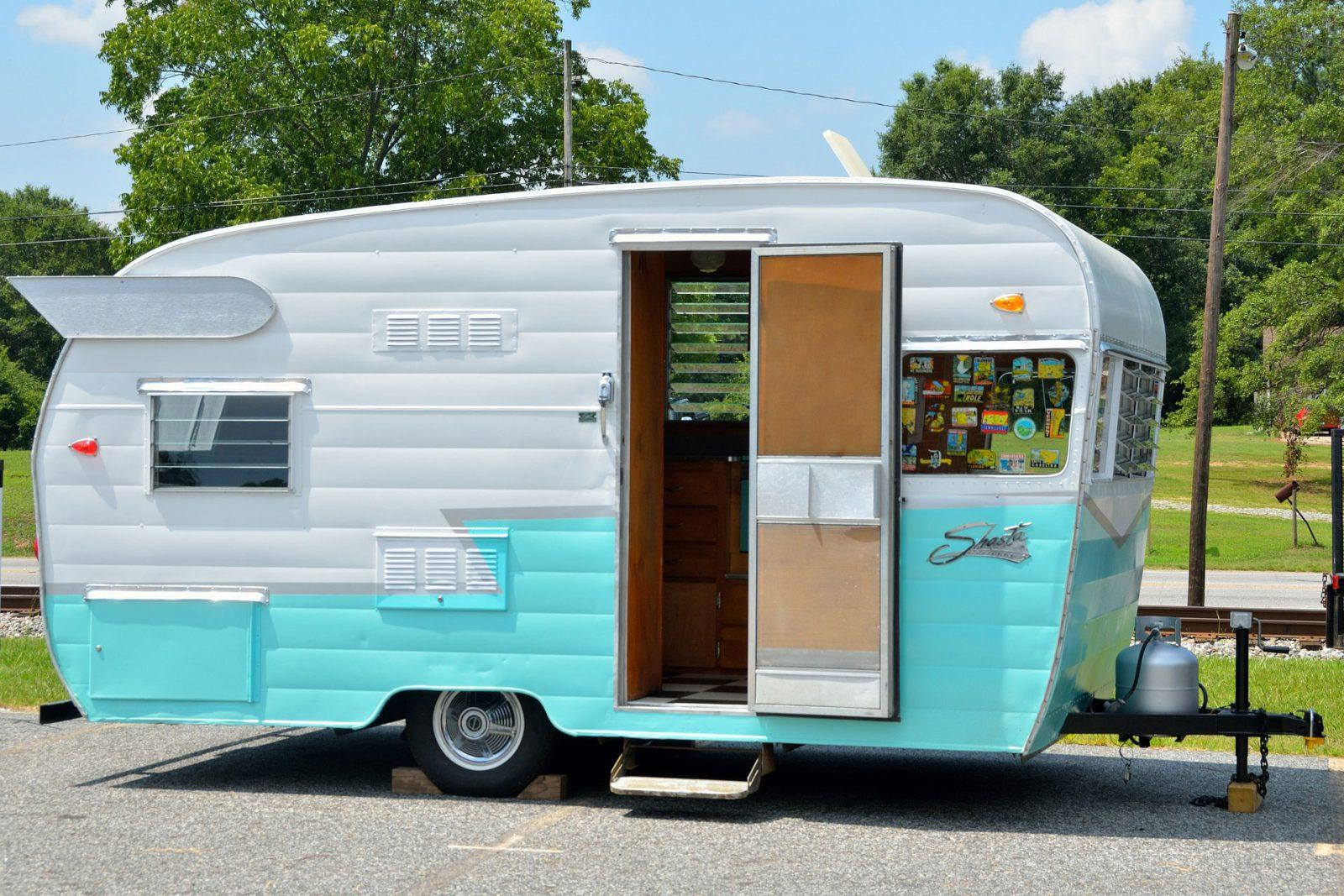 turn your car into a camper - just a few steps and you are done