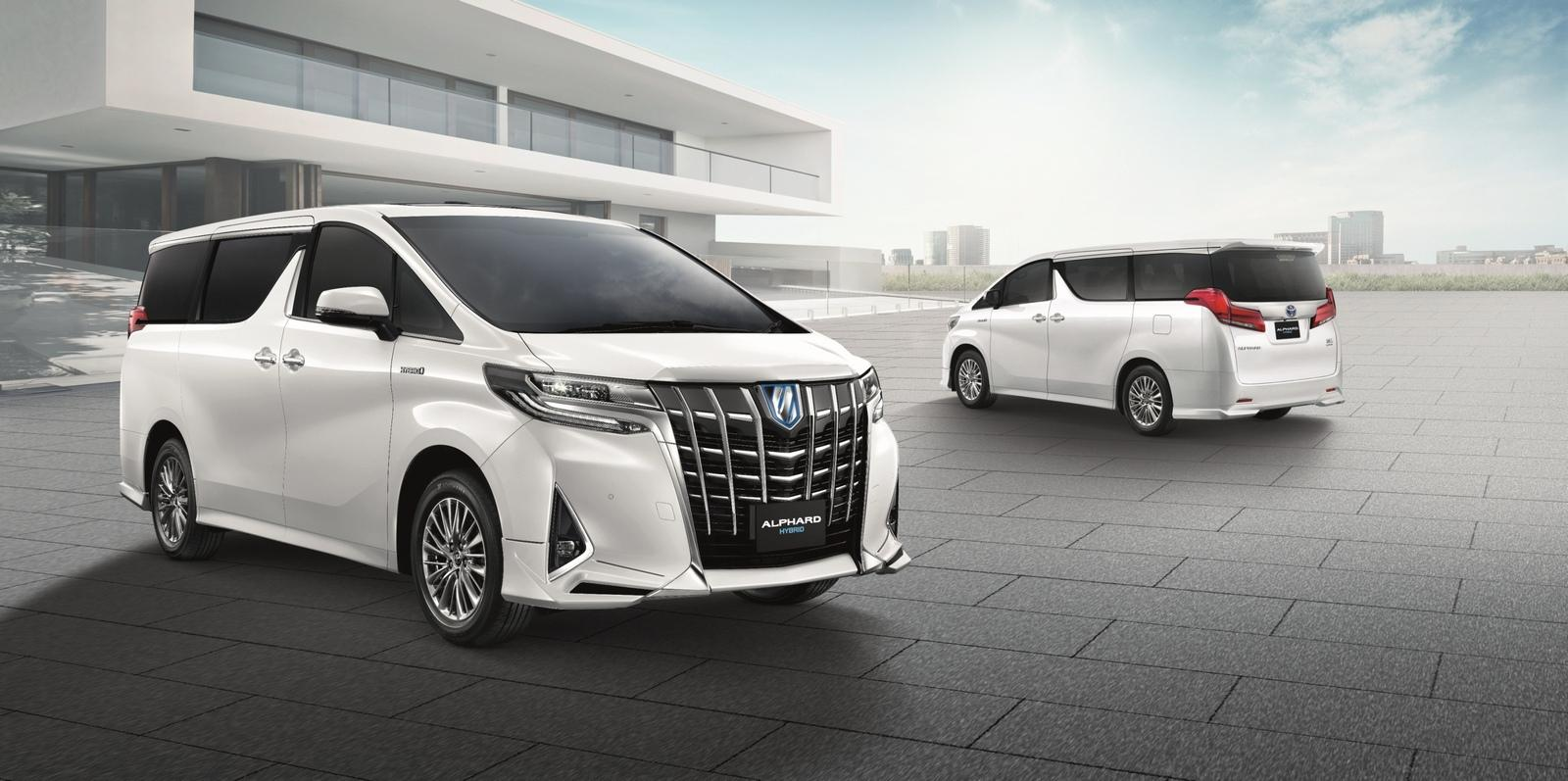 Toyota Vellfire vs. Alphard- is there some thing you should know about it now