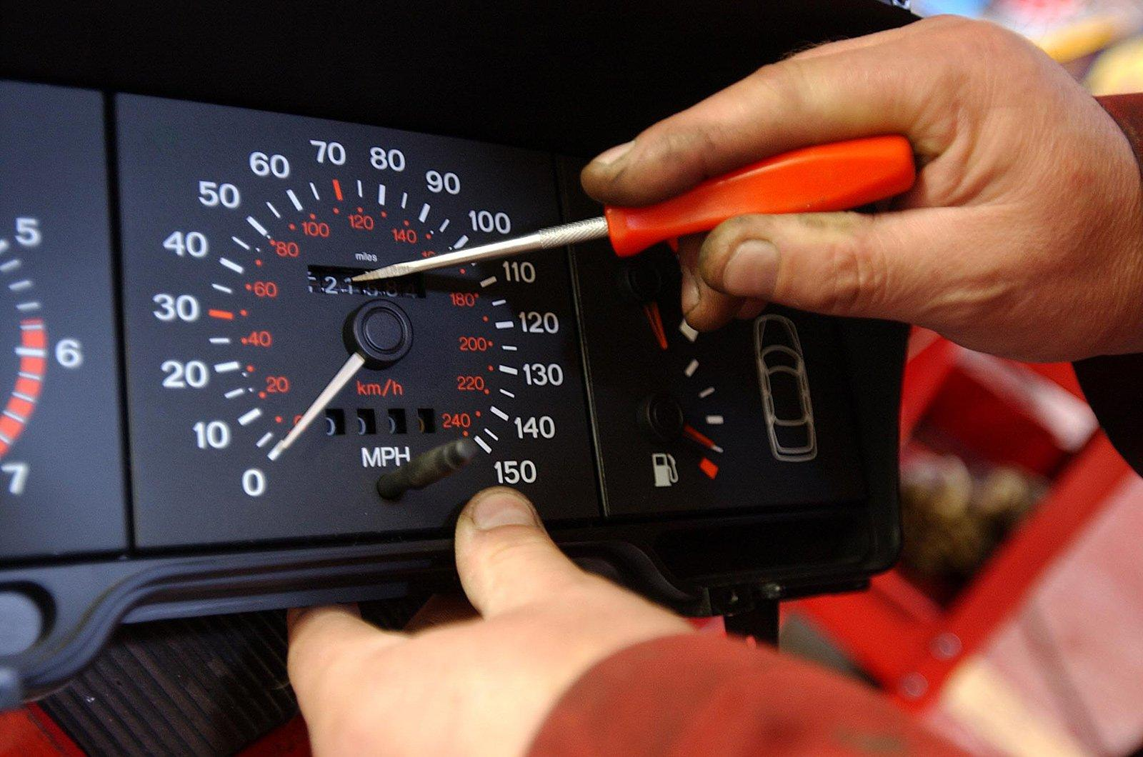 can a car mileage be reset