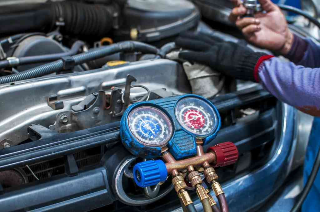 remove freon from car at home