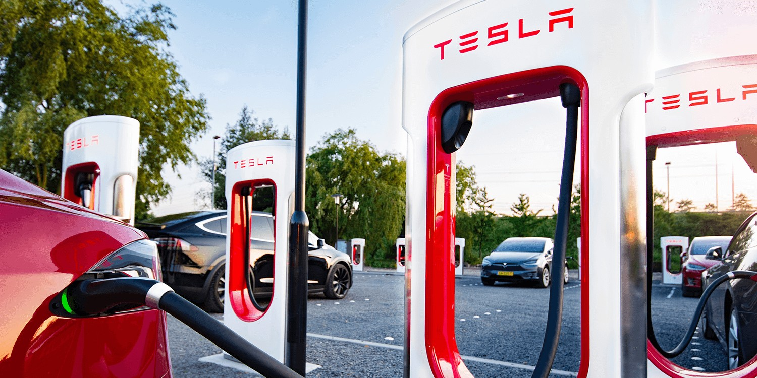 how long does it take to charge a tesla