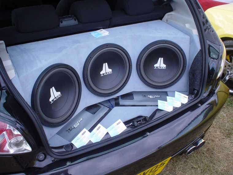 The Amplifier Should Not Touch The Car Metal