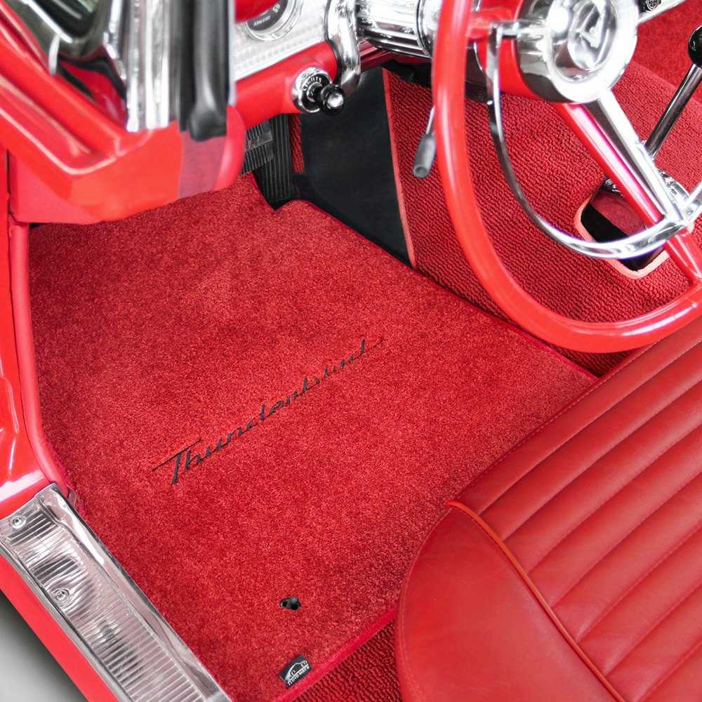 If the floor mats contain some grease stains, apply cornstarch