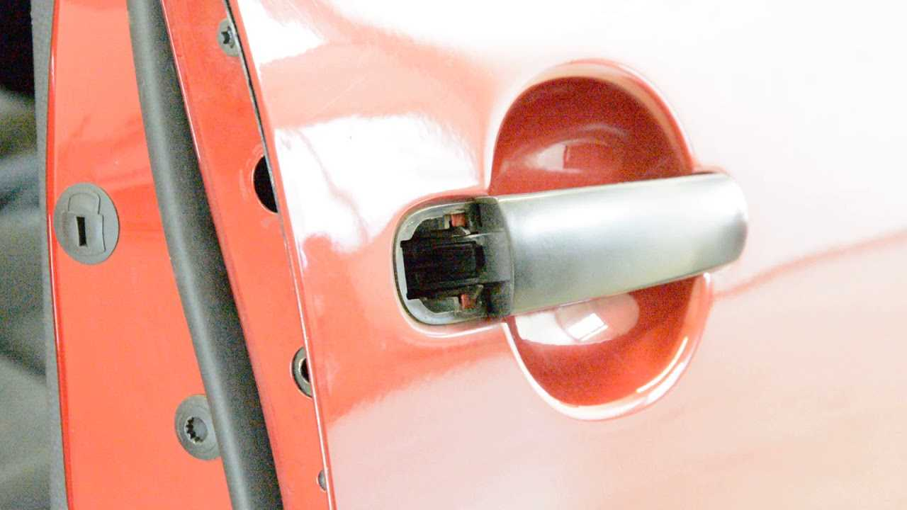 Close the window completely to get a clear view of the rod from the door lock to the latch