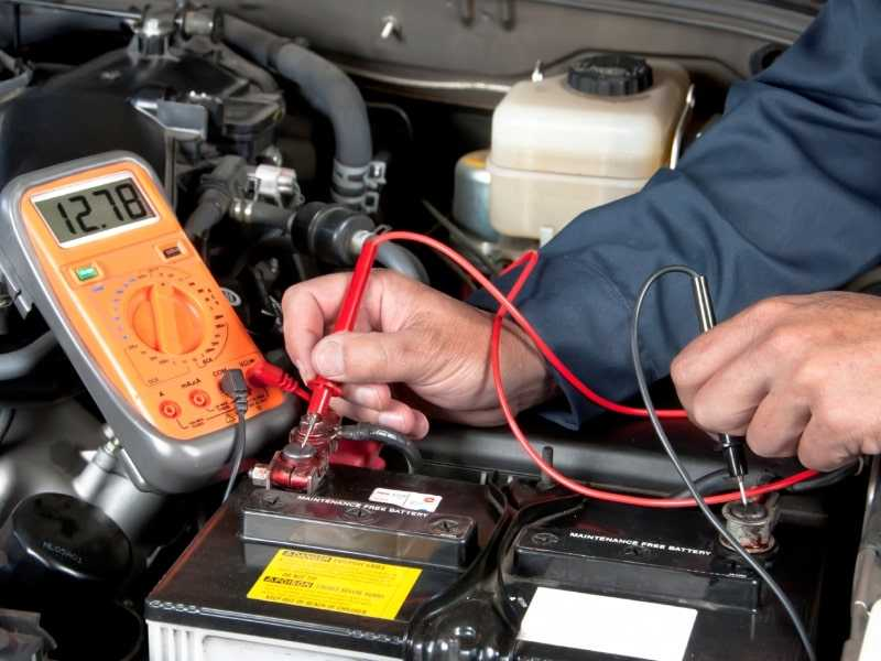 use multimeter to test car battery