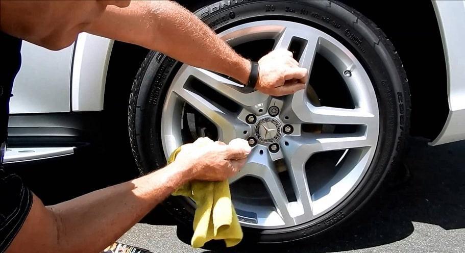 Clean alloy wheels guide