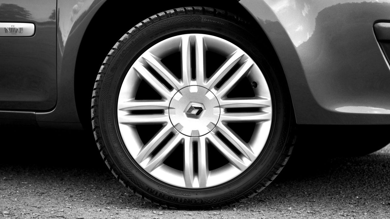 how to tell which wheel bearing is bad by turning
