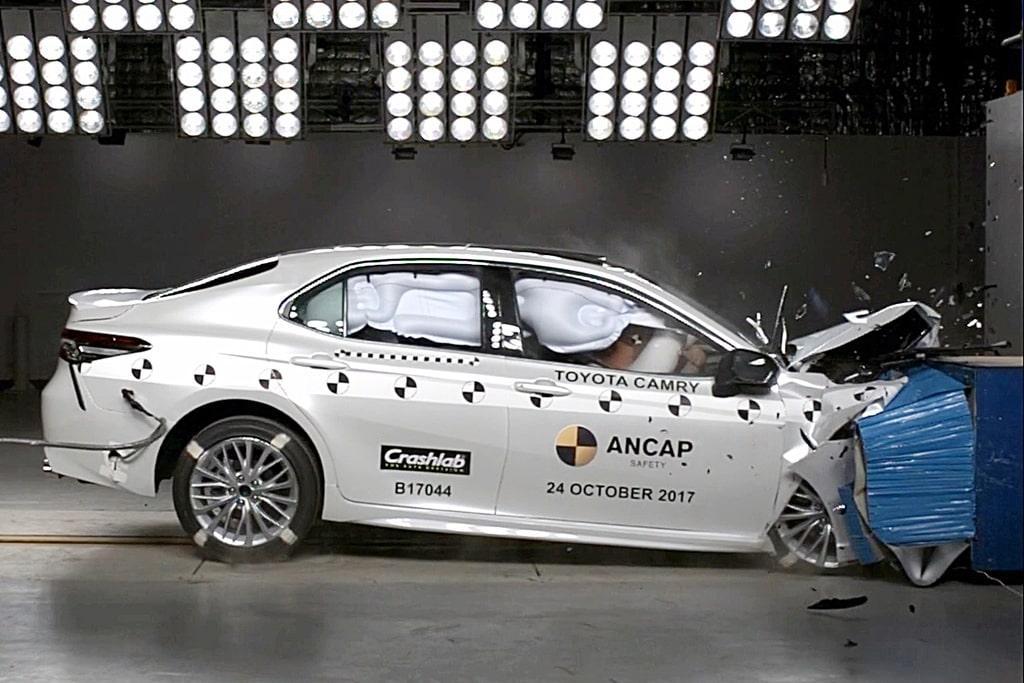 Toyota Camry crash test