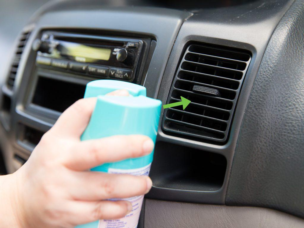How to unclog air vents in car