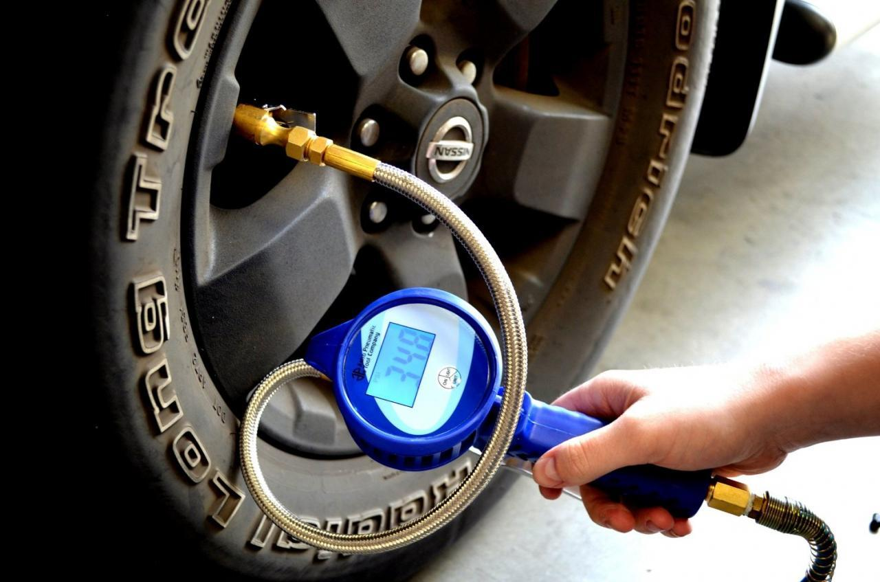 Astro 3018 Digital Tire Pressure Gauge