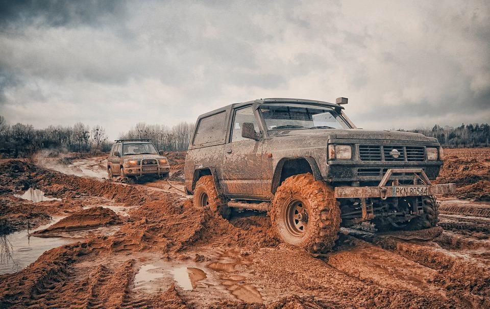 4WD car on muddy roads