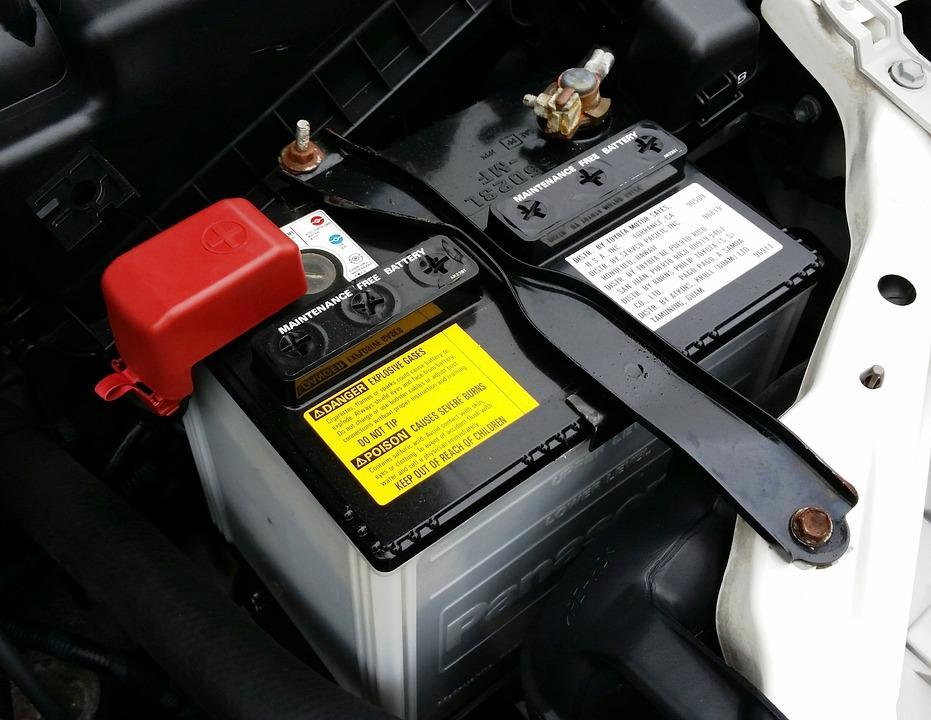 Lead-acid battery vs. lithium