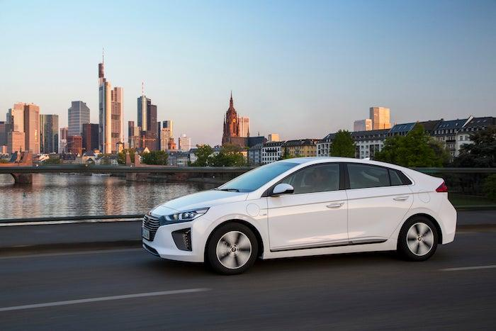 what is a plug in hybrid