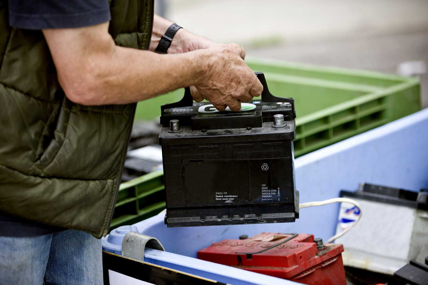 where to dispose of car batteries
