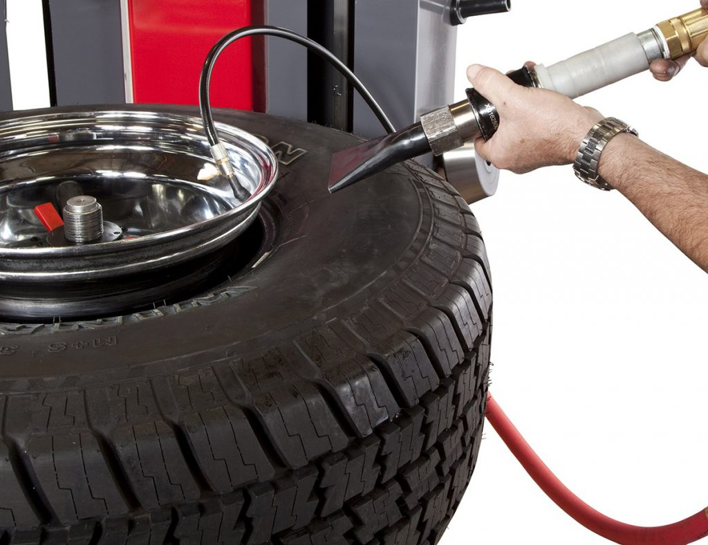 how to break a tire bead
