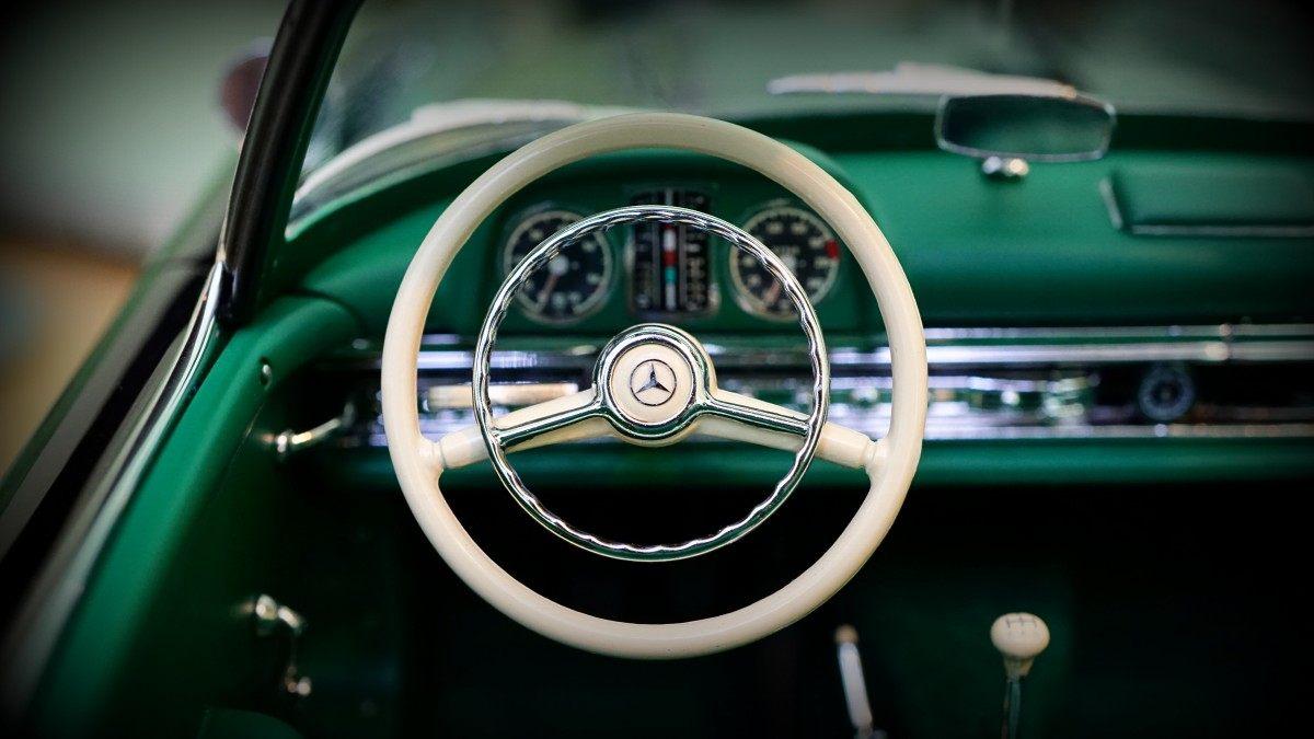 spoke steering wheel
