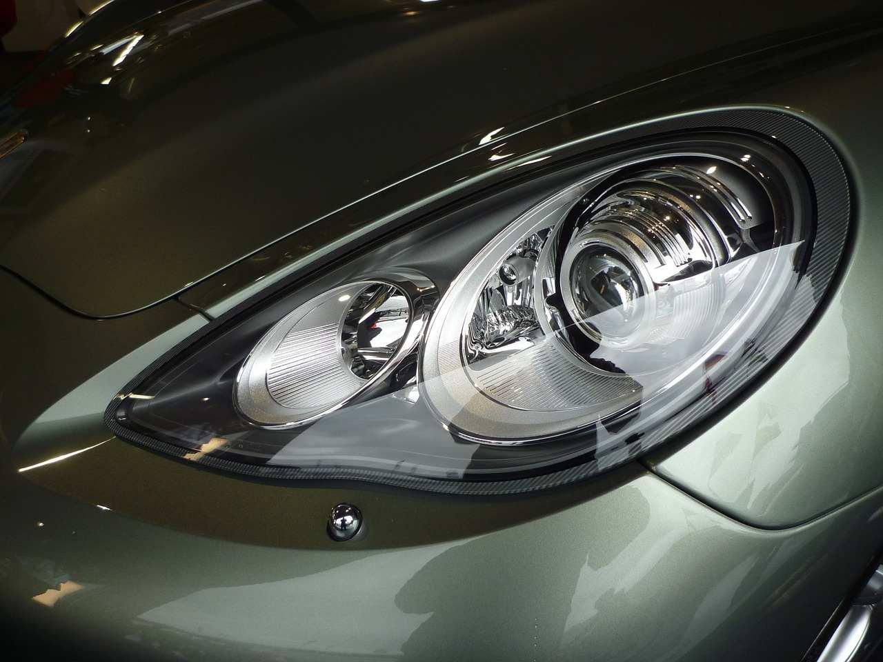 projector vs reflector headlights