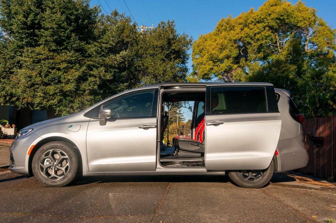 how to choose the best minivan
