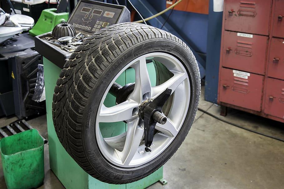 purpose of balancing tires